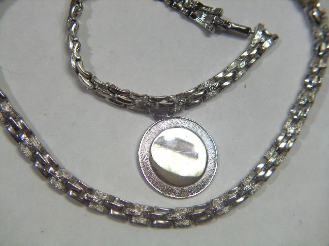 Vintage signed Coro 1950s Silver Toned Necklace Bracelet Set - Demi Parure