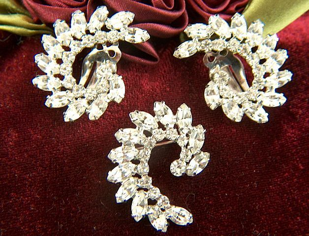 Vintage signed B. DAVID Sparkling Clear Rhinestone Demi ~ Brooch & Clip Earrings