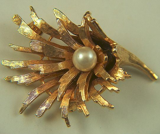 Vintage signed Capri Cornucopia shaped Golden Toned & Faux Pearl Pin Brooch