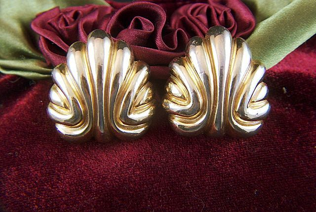 Vintage signed St. John Big and Bold Gold Toned Clip Earrings