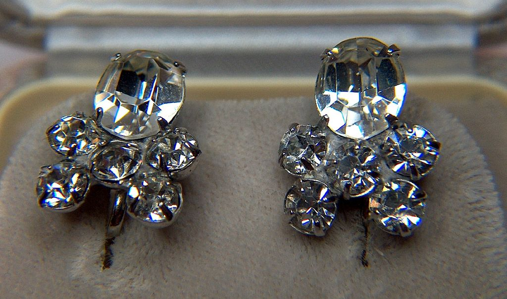 Vintage signed CORO Prong Set Clear Rhinestone Screw Back Earrings