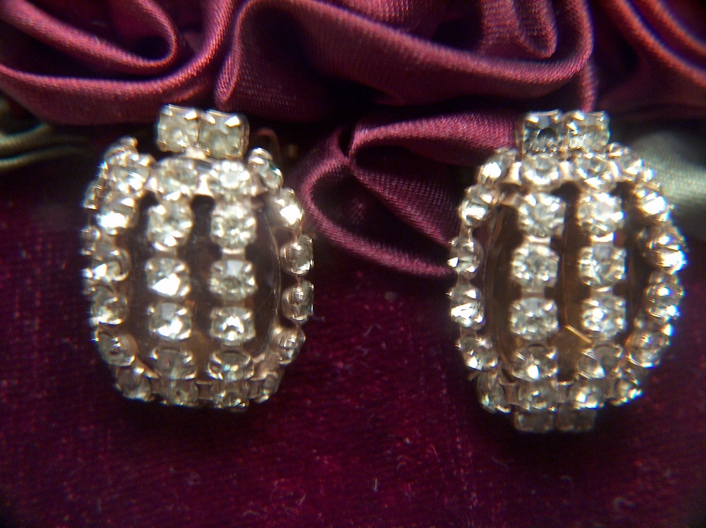 Vintage Amber and Jonquil Colored Prong Set Rhinestone Clip Earrings