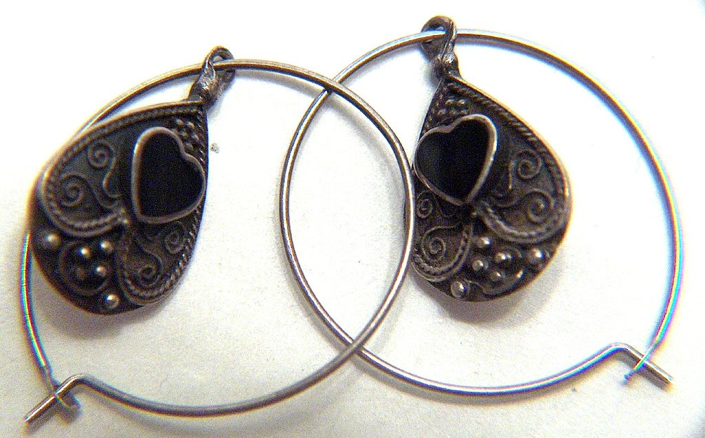 Vintage Sterling Silver Continuous Hoops with Teardrop Onyx Heart Dangles