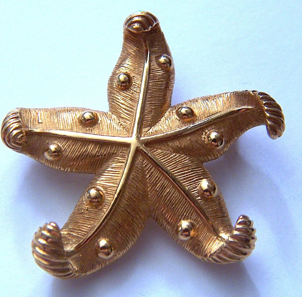 Vintage signed CAROLEE Perfect Gold Toned Starfish Pin Brooch