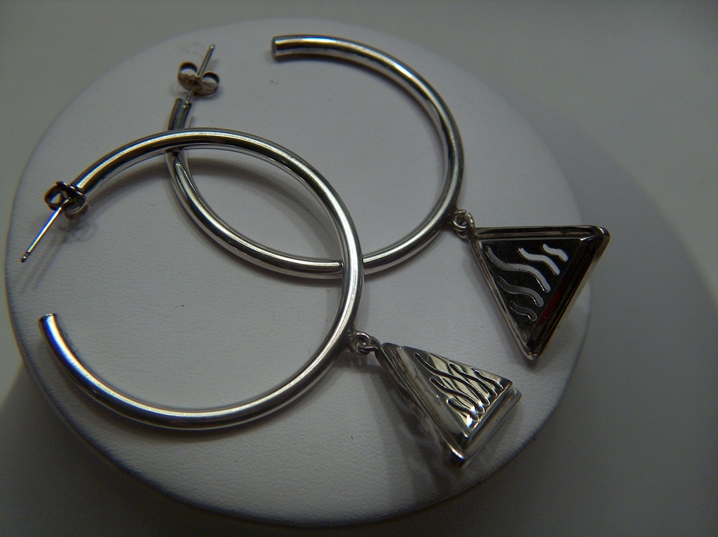 Vintage signed NR Large Sterling Silver Dangling Triangles Hoop Earrings ~ Pierced