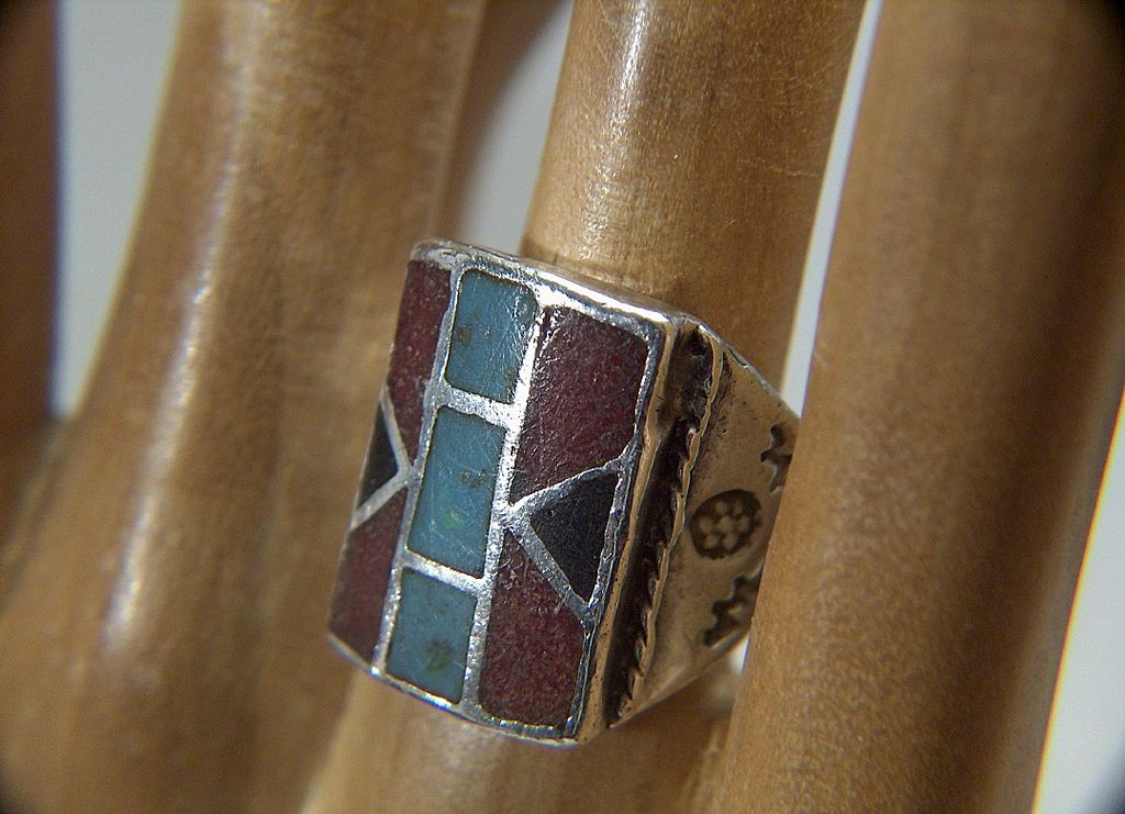 Vintage Native American Stamped Sterling Silver Turquoise and Onyx Inlaid Large Ring