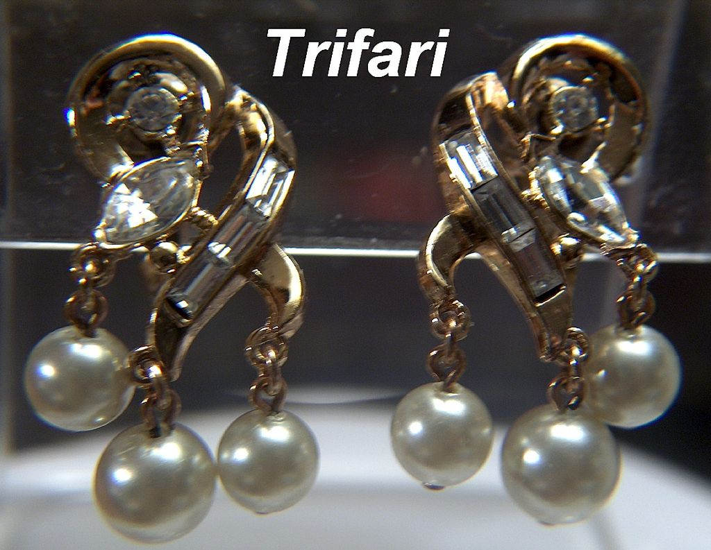 Vintage 1950s signed Crown Trifari Gold Toned Rhinestone and Faux Pearls Clip Earrings