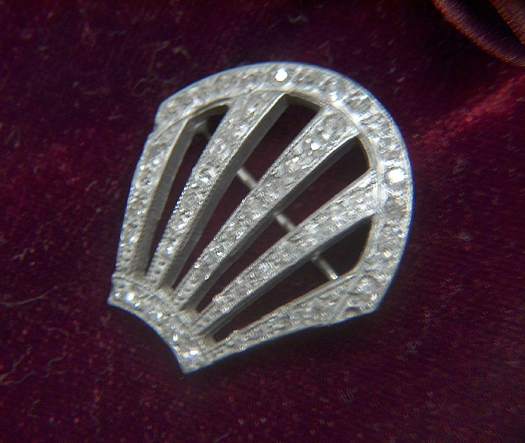 Vintage Pot Metal Art Deco Fan Shaped Pin Brooch ~ Rhinestones C Clasp