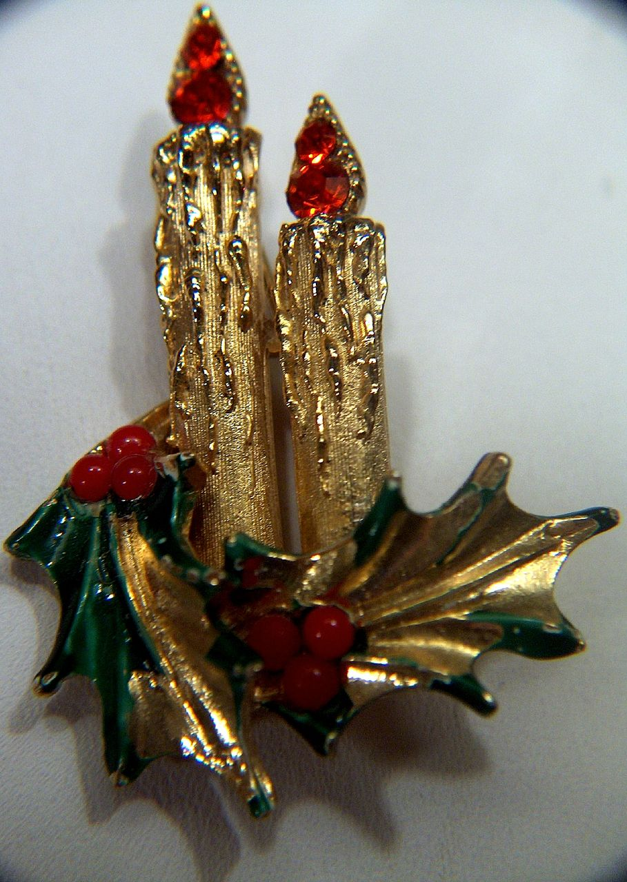 Vintage signed ART Double Candle Christmas Pin Brooch