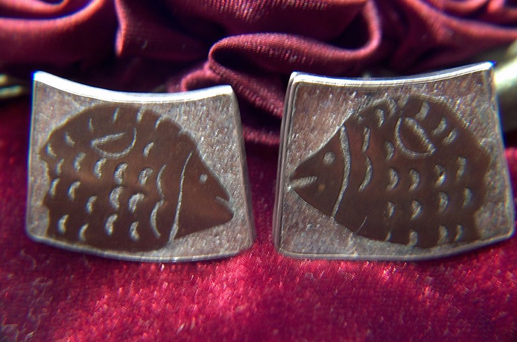 Vintage Sterling Silver signed Mexico JH Screw Back Earrings ~ Modernist Stylized Copper Fish