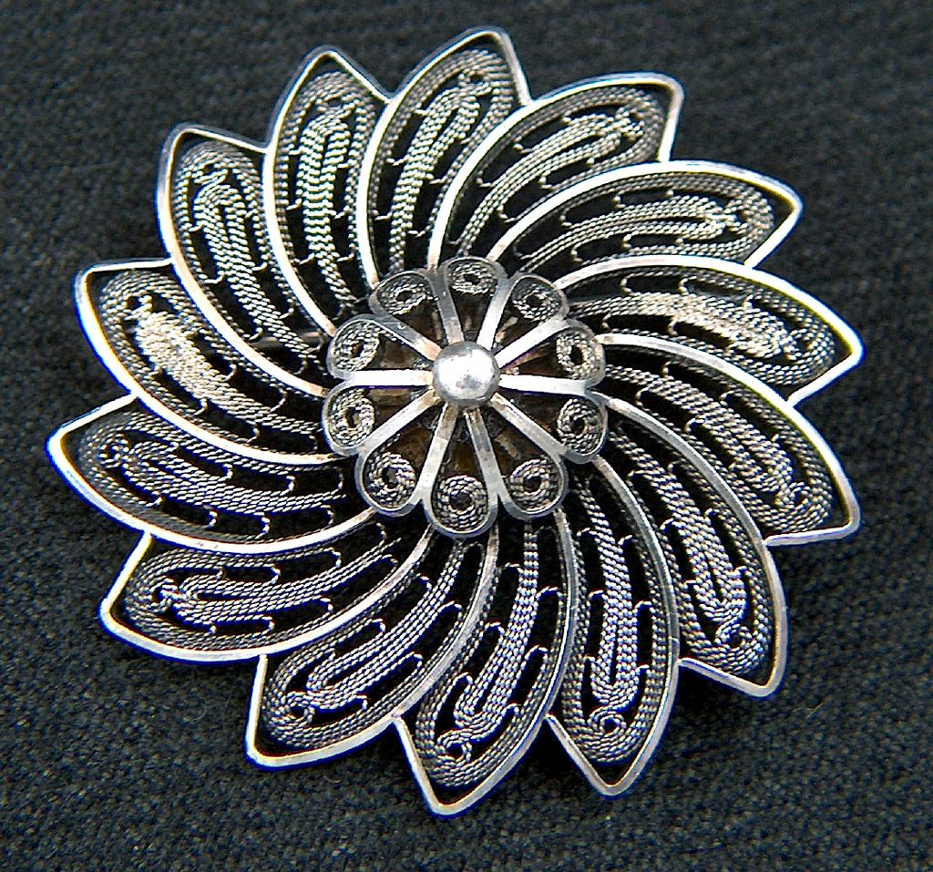 Vintage signed STERLING HAND MADE ISRAEL Filigree Pinwheel Brooch Pin