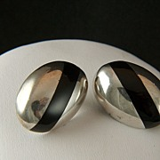 Vintage signed TAXCO Mexico Sterling and Onyx Post Earrings