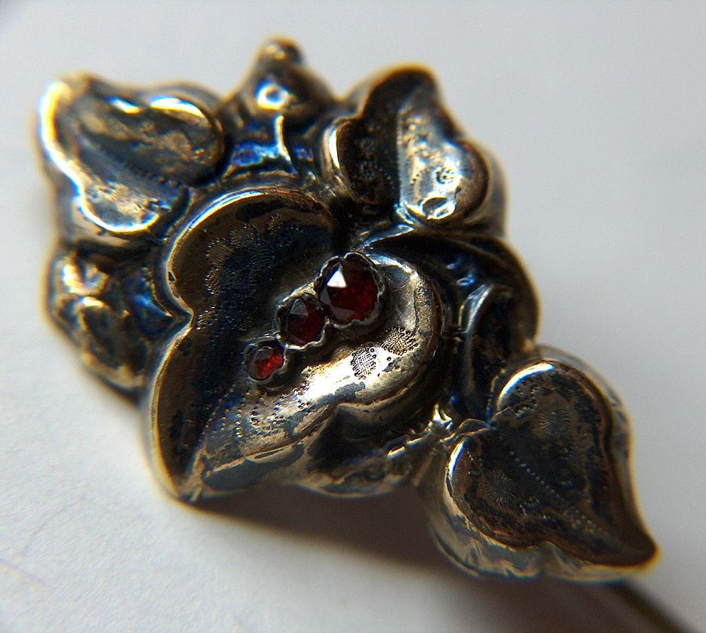 Vintage Sterling Silver Vermeil Rose Cut Garnets Stick Pin