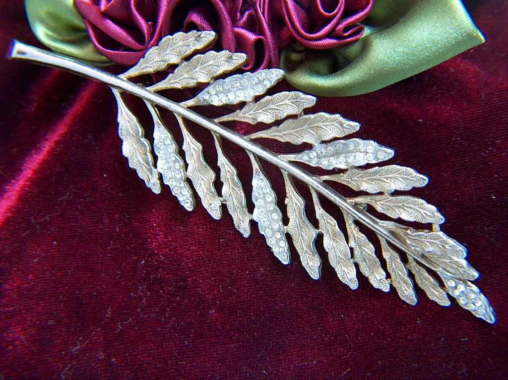 Vintage and Gorgeous HUGE Fern Frond Pin Brooch ~ Rhinestones