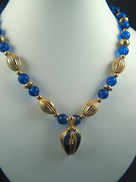 Vintage signed AVON Royal Blue LUCITE and Gold Toned Beaded Necklace