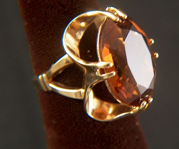 Vintage 14K Yellow Gold and HUGE Whiskey Quartz / Root Beer Topaz Stone Cocktail Ring