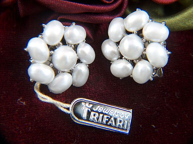 Vintage Trifari Faux Pearls clip Earrings ~ NEW with Tag