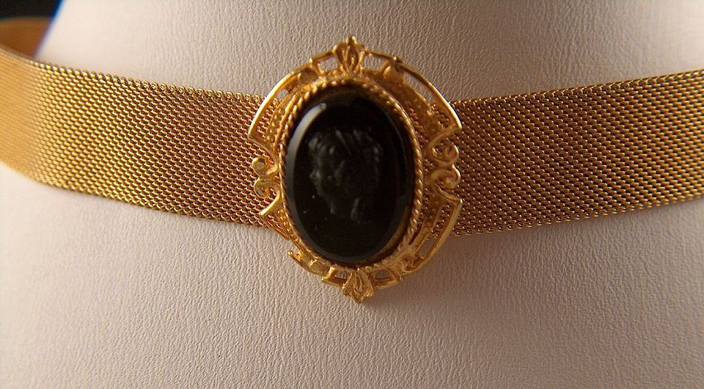Vintage Gold Toned Mesh with Fancy Black Glass Cameo Choker Necklace