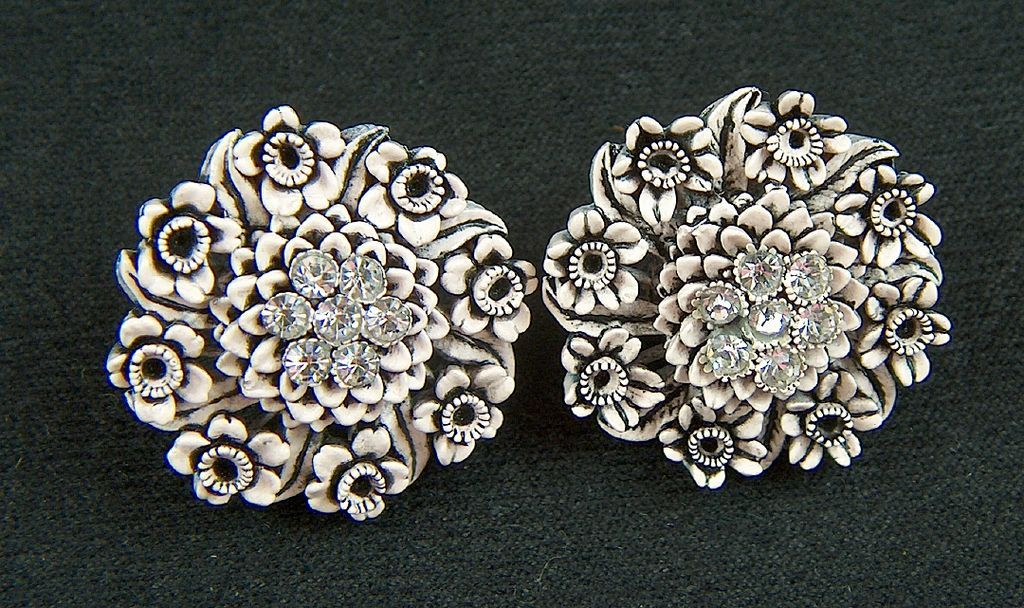 Vintage Molded Plastic Clear Rhinestone Clip Earrings ~ Flowers