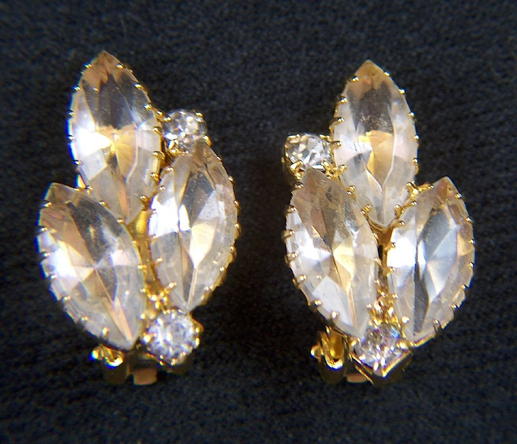 Vintage All Clear Rhinestone Clip Earrings