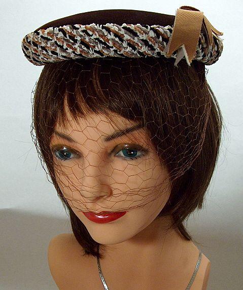 Vintage 1950s Fine Brown Velveteen Hat with Woven Chenille Yarn Trim