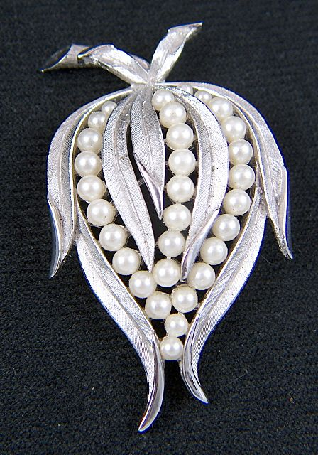 Vintage signed TRIFARI Silver Toned Faux Pearls Leaf Brooch Pin