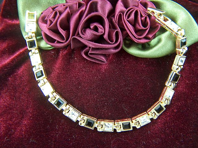 Vintage signed Lady Remington Rhinestone Bracelet