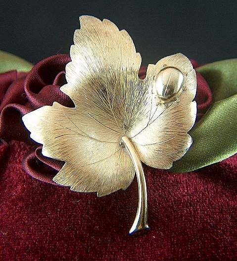 Vintage signed KREMENTZ Gold Plated Leaf with Bug Pin Brooch