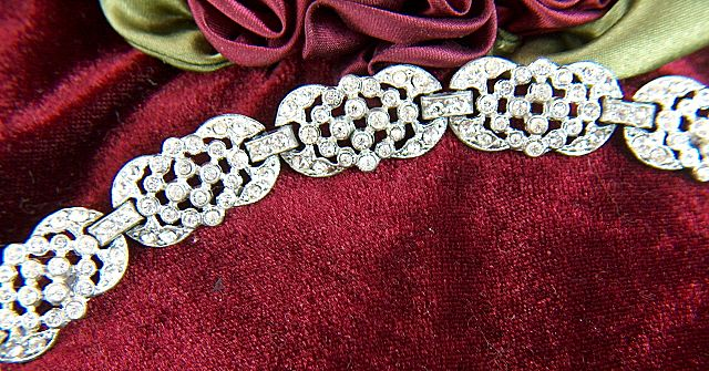 Vintage early 1930s Pot Metal Clear Rhinestone Link Bracelet