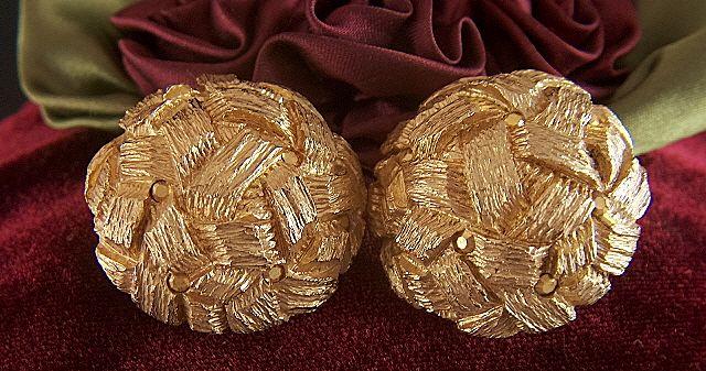 Vintage signed ST. JOHN Gold Toned Basket Weave Dome Clip Earrings - Metallic Gold Rhinestones