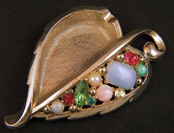Vintage 1950s Rhinestone Faux Pearls Cabs Gold Toned Leaf Ashtray