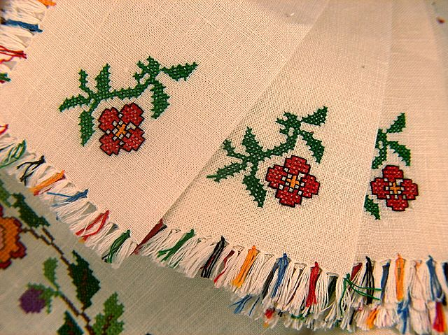 Vintage new embroidered fringed linen tablecloth