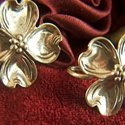 Vintage signed Beau Sterling Silver Dogwood Flowers Screw Back Earrings