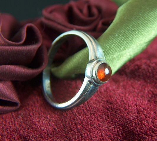 Vintage Sterling Silver and Garnet Ring - Size 7