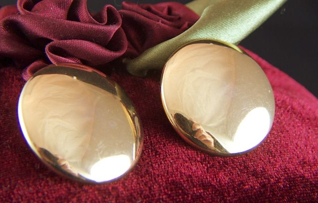 Vintage Bright Gold Toned Classic TRIFARI Button Clip Earrings