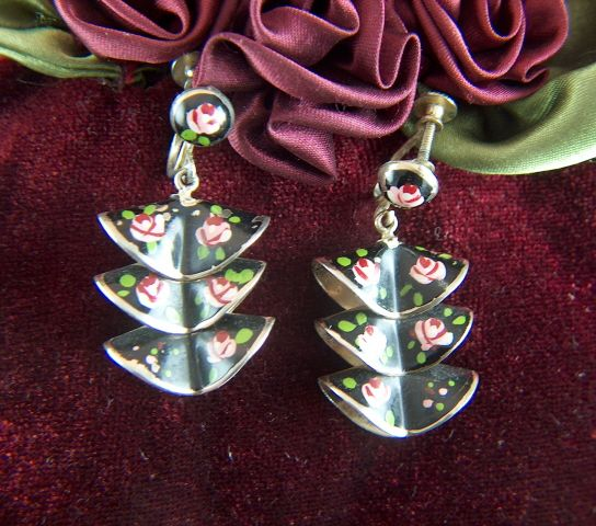 Vintage Pale Gold Ruffles Hand Painted Roses Screw Back Earrings