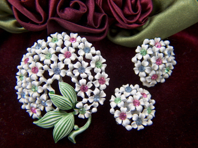 Vintage Enamel Rhinestone Flower Brooch Pin and Clip Earrings Set