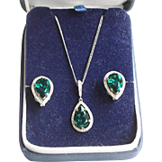 Crown Trifari Emerald Rhinestone Teardrop Pendant & Earrings