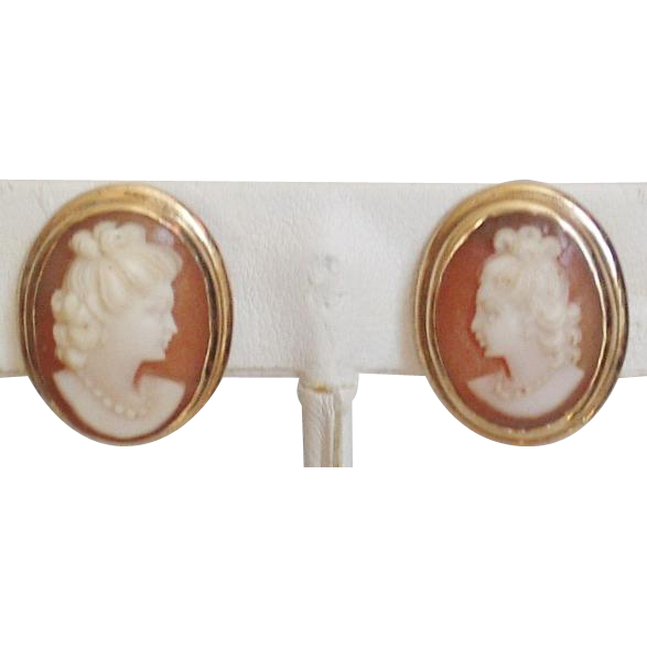 9K Gold Carved Shell Cameo Screw Back Earrings
