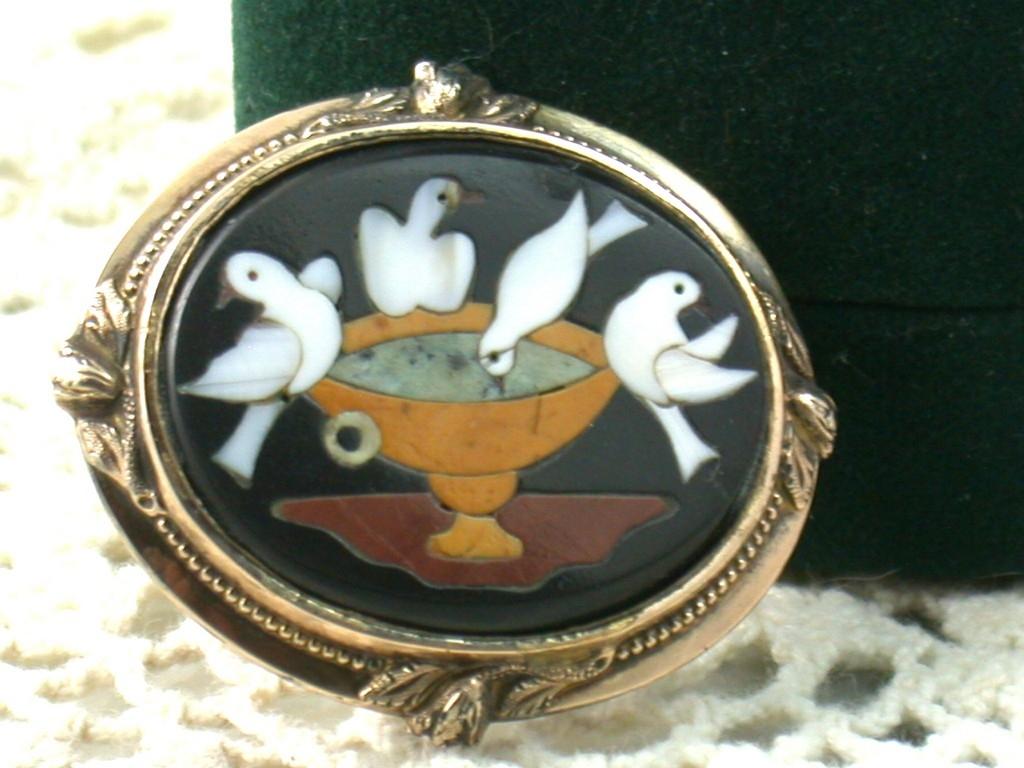 Vintage 14K Gold Pietra Dura Brooch