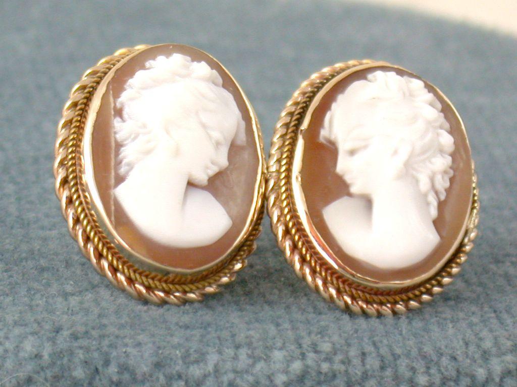 14K Cameo Post Earrings