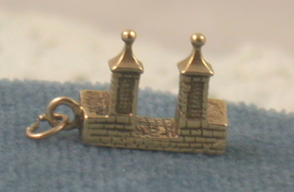 Estate 14K Tower of London Charm