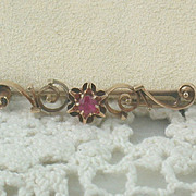 Vintage 14K Spinel Bar Pin