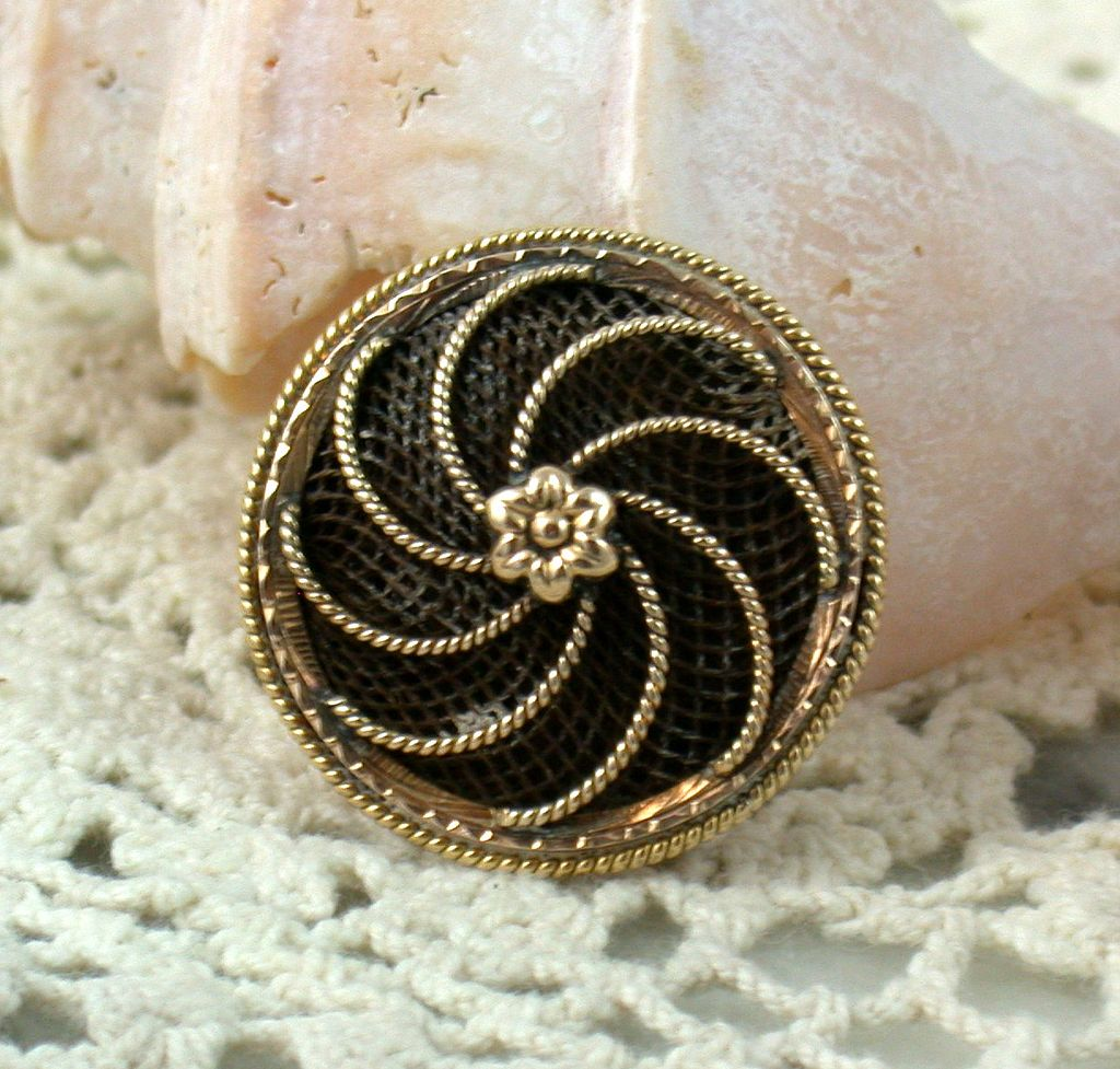 14K Hair Brooch