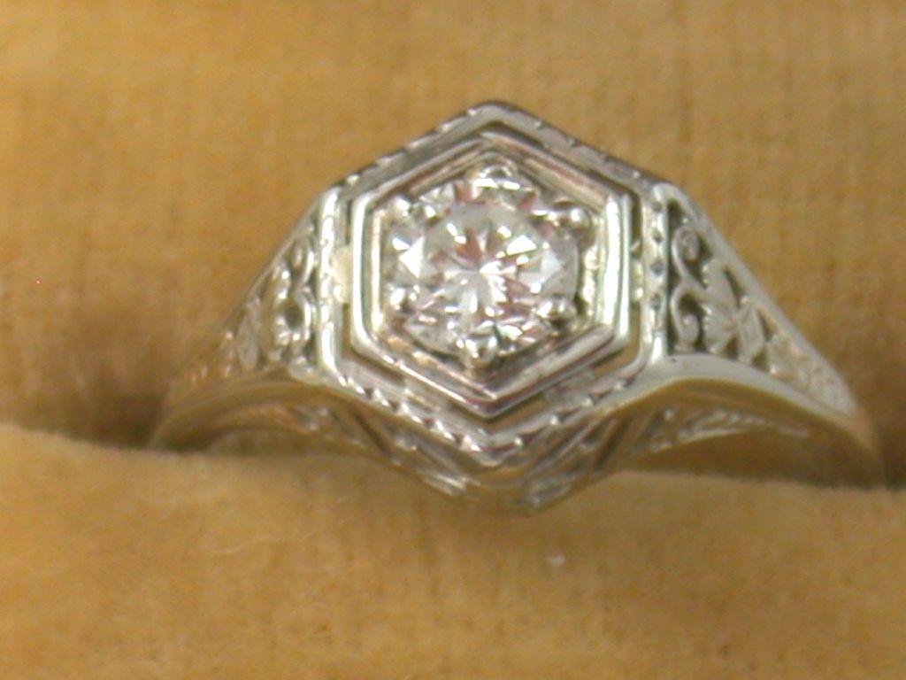 18K Filigree 0.52 CT Diamond Ring