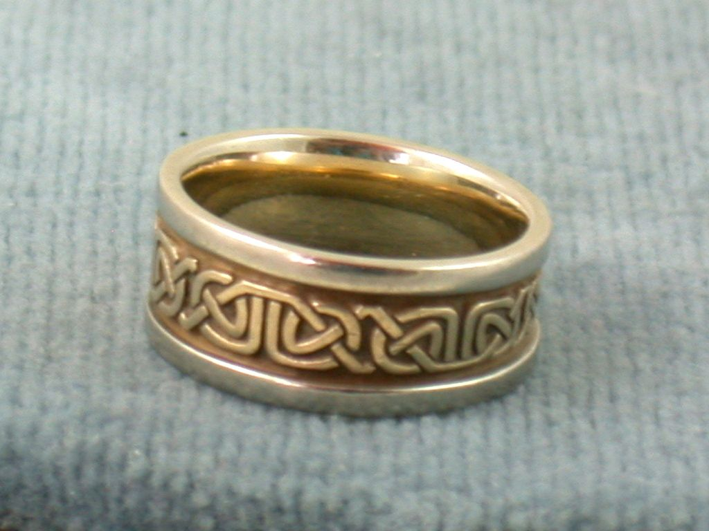 Estate 14K Celtic Two Tone Band