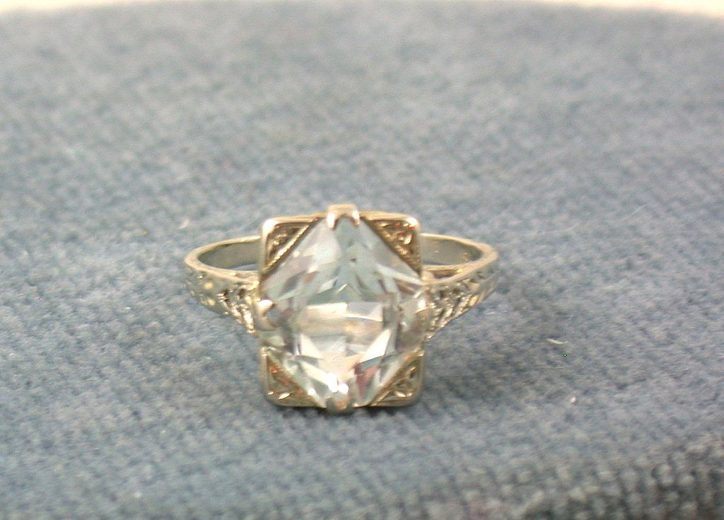 18KW Filigree  5 CT Aquamarine Ring