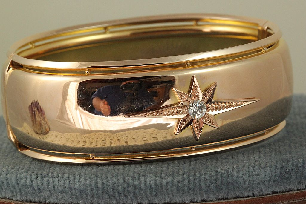 Estate Rose Gold Diamond Star Bangle