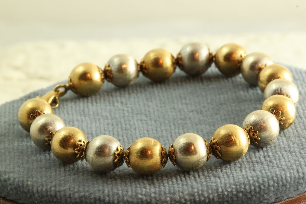 Estate 18K Two Toned 9 mm Ball Bracelet
