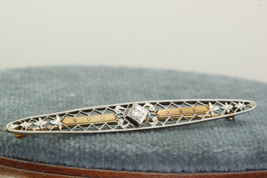 Krementz 14K Edwardian Filigree Diamond Pin